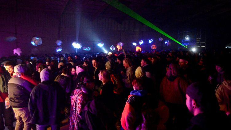 Une rave-party avait été organisée pour le Nouvel An à Lieuron (Ille-et-Vilaine). (MARC OLLIVIER / MAXPPP)