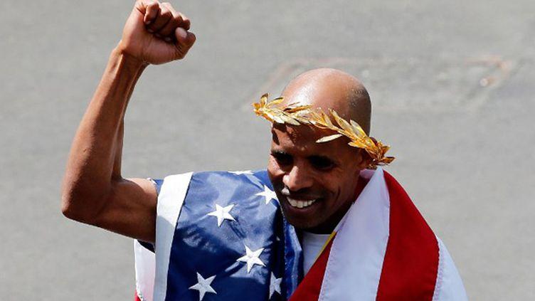 Meb Keflezighi remporte le marathon de Boston (JIM ROGASH / GETTY IMAGES NORTH AMERICA)
