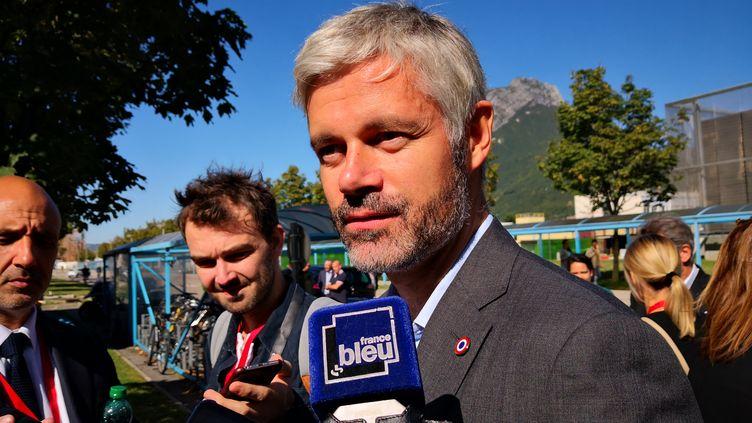 Laurent Wauquiez au CEA (Centre d'études nucléaires) de Grenoble (Isère), 11 octobre 2019. (NINA VALETTE / FRANCE-BLEU ISÈRE)