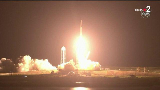 Décollage réussi de la fusée emmenant quatre astronautes, dont Thomas Pesquet, vers l'ISS