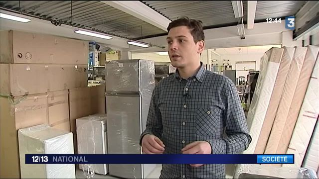 Louer des meubles, un choix qui séduit les jeunes actifs