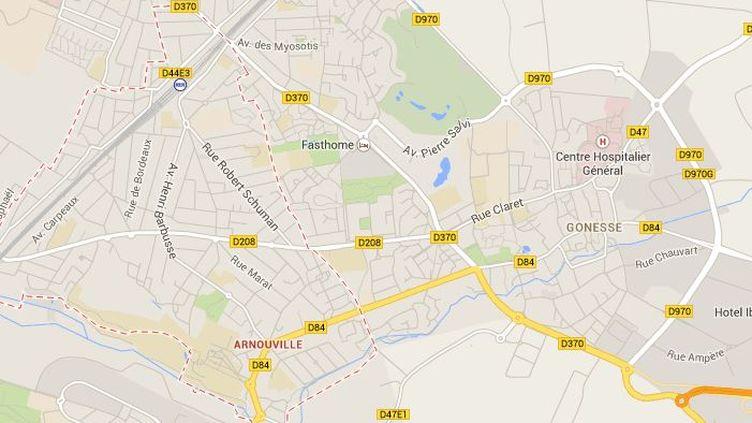 Un homme a été heurté de plein fouet par un train lundi 19 mai 2014, alors qu'il traversait les voies avec des écouteurs sur les oreilles dans le Val-d'Oise, à Arnouville.