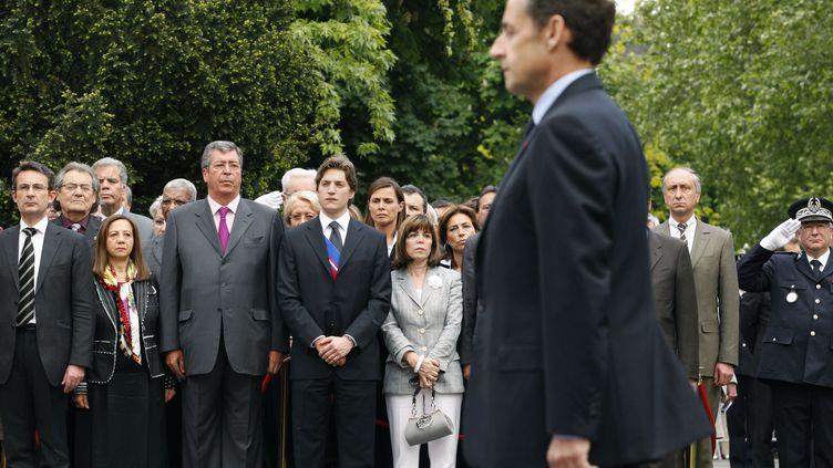 Nicolas Sarkozy lors d'une cérémonie de commémoration, le 7 mai 2009, à Neuilly-sur-Seine (Hauts-de-Seine). (BENOIT TESSIER / AFP)