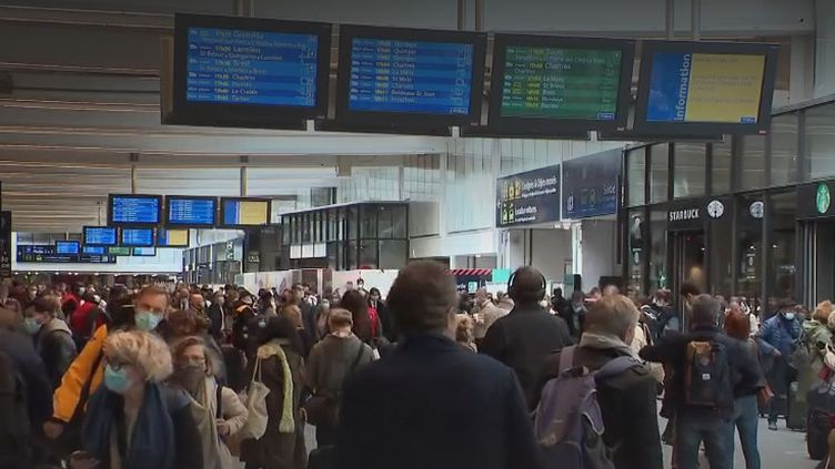 Un million de voyageurs sont attendus dans les gares pour le week-end de l'Ascension, et les retours s'annoncent d'ores et déjà très difficiles. Le prix à payer pour changer d'air et profiter des siens. (FRANCE 3)