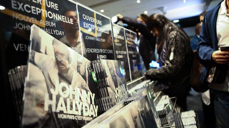 """""""Mon Pays C'est l'Amour"""" de Johnny Hallyday truste sans surprise le sommet du classement des ventes de disques en 2018. (LP/ JEAN NICHOLAS GUILLO / MAXPPP)"""