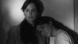 """""""Elisa & Marcela"""" de Isabel Coixet jouées par Greta Fernández et Natalia de Molin.  (Netflix)"""