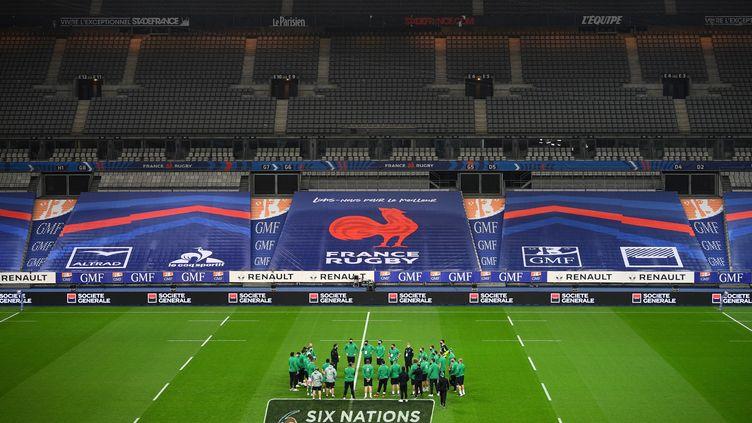 L'équipe d'Irlande au Stade de France, avant le match contre les Bleus, le 31 octobre 2020. (FRANCK FIFE / AFP)