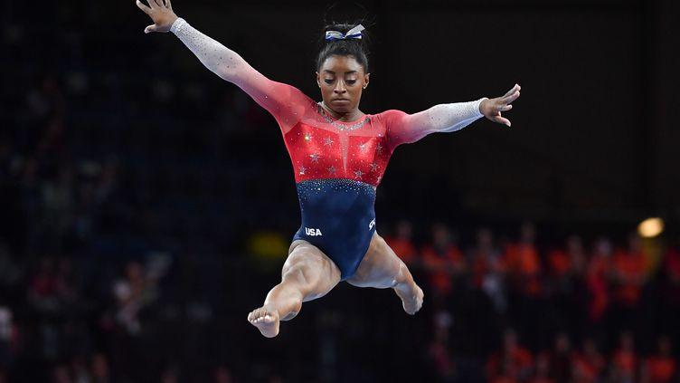 Simone Biles lors des Mondiaux de gymnastique à Stuttgart (Allemagne), le 8 octobre 2019. (FRANKHOERMANN/SVEN SIMON)