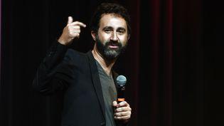 L'humoriste Mathieu Médénian sur scène en octobre 2019. (DELALANDE RAYMOND/SIPA)