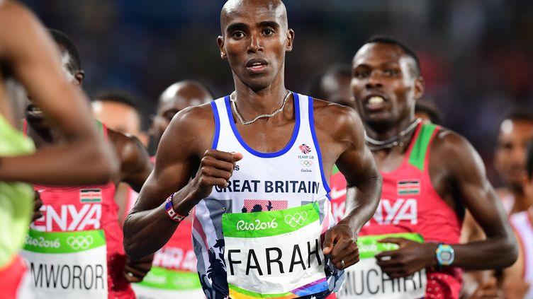 Mo Farah conserve son titre sur 10 000m (FRANCK FIFE / AFP)