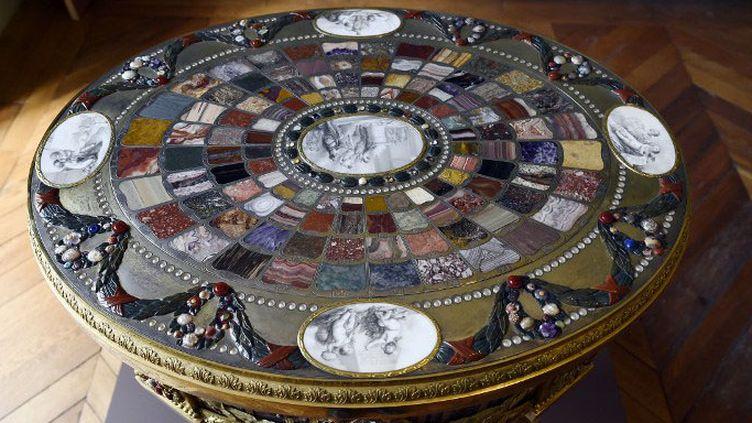 La table de Teschen (1779)de Johann Christian Neuber  (LIONEL BONAVENTURE / AFP)