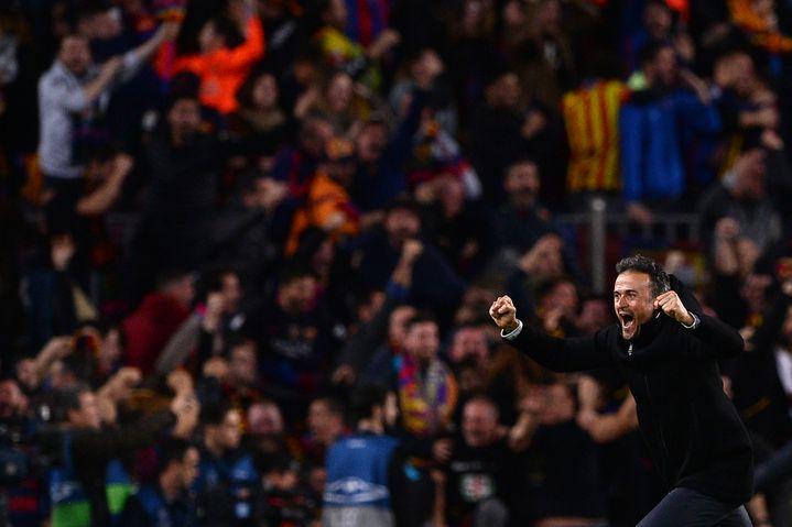 La joie de Luis Enrique et des supporteurs catalans, après la remontada de Barcelone face au PSG, en 2017. (JOSEP LAGO / AFP)