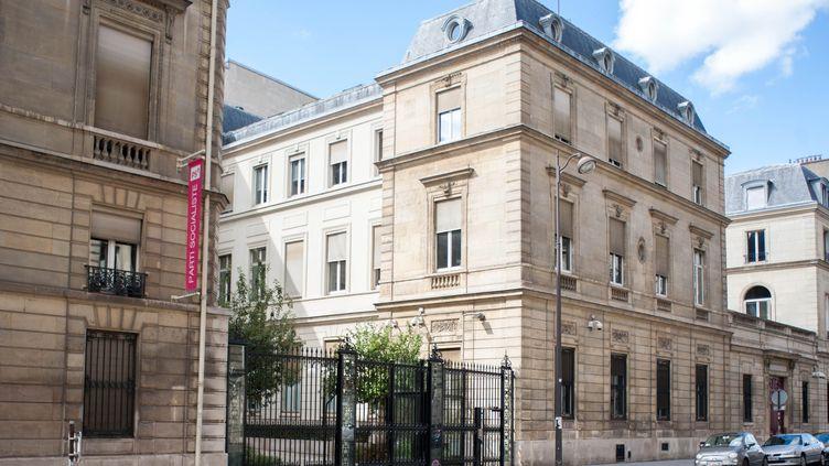 Le siège du Parti socialiste, rue de Solférino à Paris, en septembre 2017. (BRUNO LEVESQUE / MAXPPP)