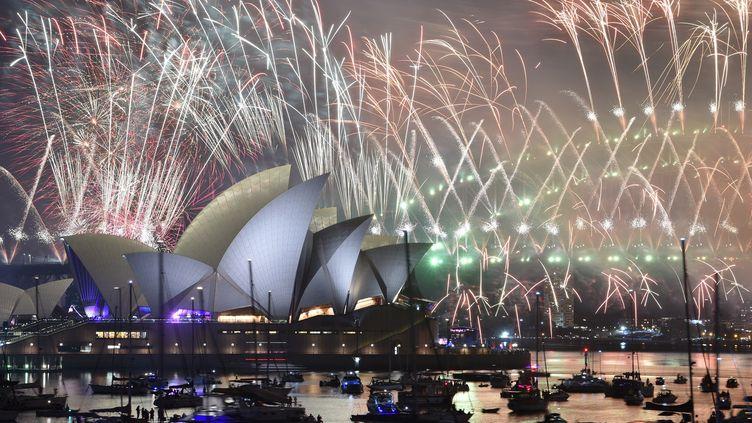 Le célèbre feu d'artifice de Sydney (Australie), le 1er janvier 2019. (PETER PARKS / AFP)