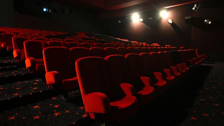 Une salle de cinéma vide à Mulhouse, le 29 octobre 2020 (photo d'illustration). (SEBASTIEN BOZON / AFP)