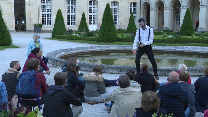 Les âmes lointainespar L'Incertaine compagnie, à l'Abbaye-aux-Dames à Caen. (P. Latrouitte / France Télévisions)