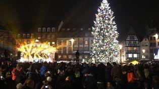Strasbourg (Bas-Rhin) a lancé les illuminations de Noël place Kléber, le 28 novembre 2014. (  MAXPPP)