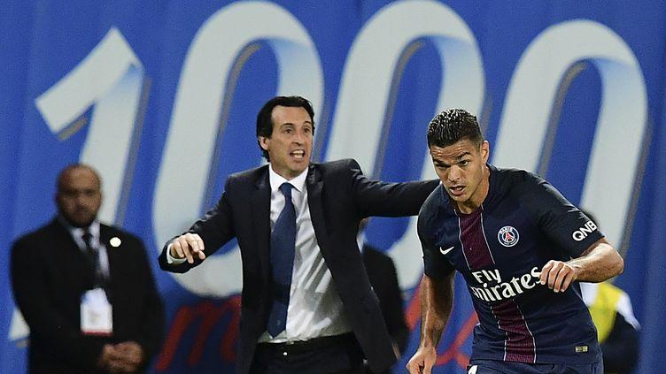 Hatem Ben Arfa en plein effort sous les yeux de son entraîneur Unaï Emery (FRANCK FIFE / AFP)