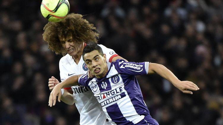 Wissam Ben Yedder donne du mal à David Luiz (PASCAL PAVANI / AFP)