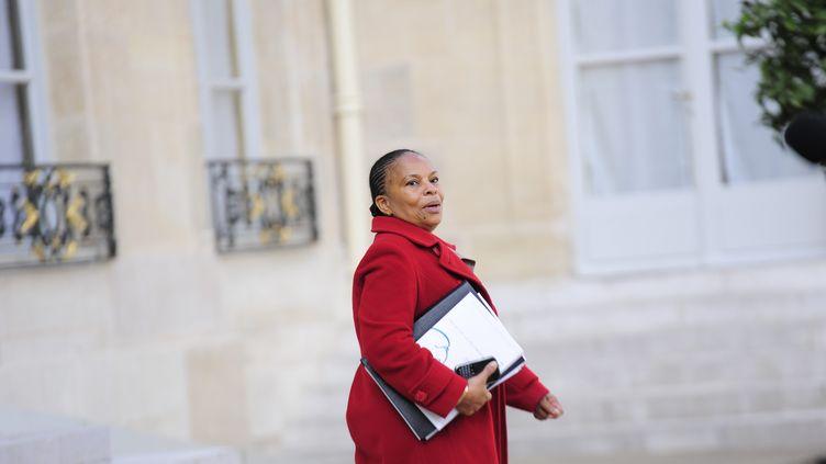 Christiane Taubira, le 28 septembre 2012 à la sortie du Conseil des ministres, à Paris. (CHRISTOPHE MORIN  / MAXPPP)