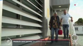 Un patient conduit son docteur, privé de son permis (franceinfo)