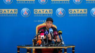 Kylian Mbappe en conférence de presse, lors de la session d'entraînement du PSG à Doha, le 14 janvier 2019. (NIKKU / XINHUA)