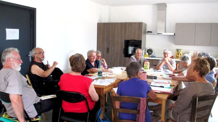 Une assemblée générale hebdomadaire de la coopérative Chamarel, à Vaulx-en-Velin (Rhône). (Coopérative Chamarel)