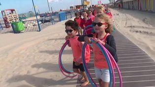 Sur la plage du Touquet (Pas-de-Calais), un club de vacances fait le bonheur des petits comme des grands depuis 90 ans. (CAPTURE ECRAN FRANCE 3)