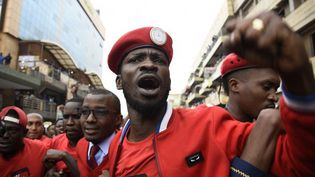 Robert Kyagulanyi, plus connu sous le nom de Bobi Wine, avait été arrêté mardi 14 août 2018 à Arua (ISAAC KASAMANI / AFP)
