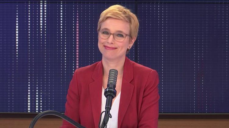 """Clémentine Autain,députée La France insoumise de Seine-Saint-Denis était l'invitée du """"8h30franceinfo"""", jeudi 11mars 2021. (FRANCEINFO / RADIOFRANCE)"""