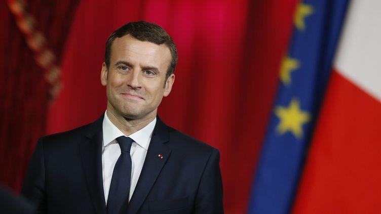 """Emmanuel Macron veut """"accompagner pleinement"""" la candidature des JO 2024 (FRANCOIS MORI / POOL)"""