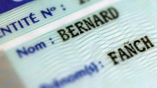 Une carte d'identité avec le prénom : Fañch. (FRED TANNEAU / AFP)
