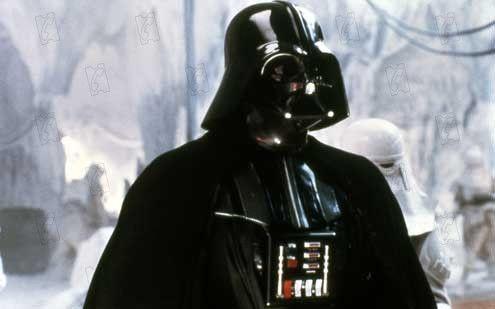 """David Prowes dans le rôle de Darth Vader dans """"Star Wars - Episode 5 : L'Empire contre-attaque"""" de Irwin Kirshner. (TWENTIETH CENTURY FOX FRANCE)"""