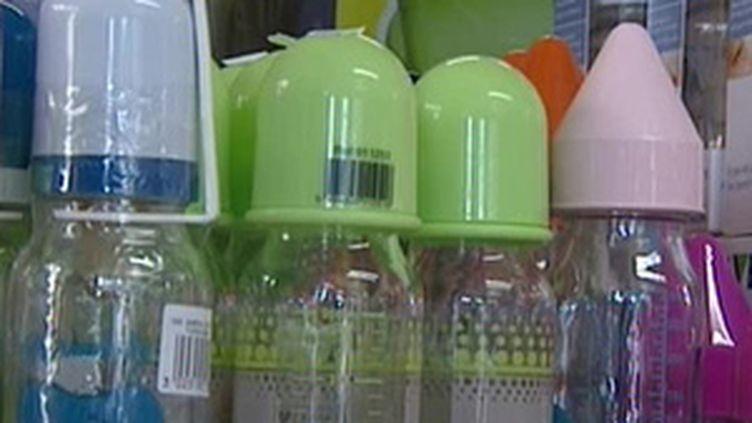 Bisphénol A : alerte aux biberons plastiques (France 3)