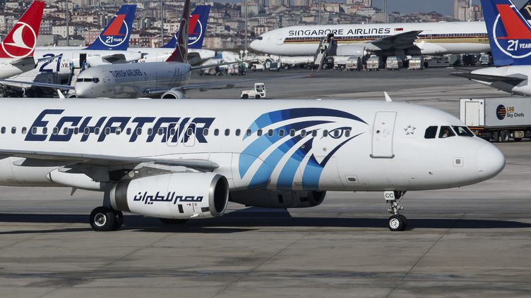 Un avion de la compagnie EgyptAir à Istanbul (Turquie), le 20 mai 2016. (NICOLAS ECONOMOU / NURPHOTO  / AFP)