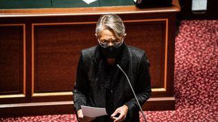 La ministre du Travail Elisabeth Borne au Sénat le 10 février 2021, à Paris. (XOSE BOUZAS / HANS LUCAS / AFP)