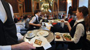 Dans une brasserie à Nantes (Loire-Atlantique), le 7 novembre 2011. (FRANK PERRY / AFP)