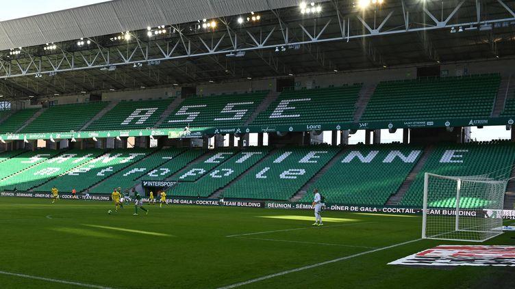 Le stade Geoffroy Guichard lors du match de Ligue 1 entre l'ASSE et le FC Nantes, le 12 janvier 2020. (JEAN-PHILIPPE KSIAZEK / AFP)