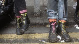 Des chaussures Doc Martens portées à Londres (Grande-Bretagne) en 1983. Photo d'illustration.  (UNIVERSALIMAGESGROUP / UNIVERSAL IMAGES GROUP EDITORIAL)