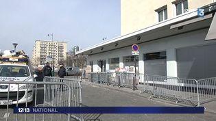 La nouvelle devanture blanche du magasin Hyper Cacher, à Porte de Vincennes, à Paris, le 13 mars 2015. ( FRANCE 3)