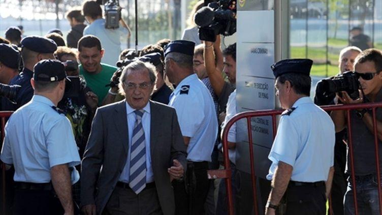 Le présentateur télé portugais, Carlos Cruz, se rend au tribunal pour le verdict le 3 septembre 2010 (AFP Francisco Leong)