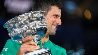 Novak Djokovic vainqueur de l'Open d'Australie 2021 à Melbourne, le 21 février 2021 (WILLIAM WEST / AFP)