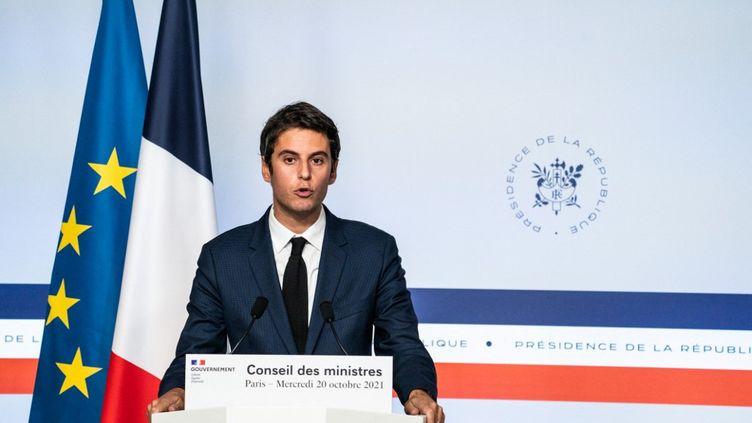 Gabriel Attal à Paris le 20 octobre 2021. (XOSE BOUZAS / HANS LUCAS / AFP)
