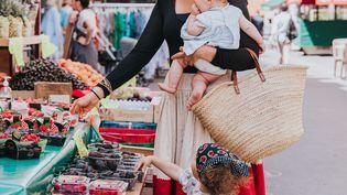 Angèle Ferreux-Maeght, naturopathe de formation, cheffe de cuisine spécialisée dans le bio sans gluten, adore butiner dans son quartier natal. (EMILIE GUELPA)