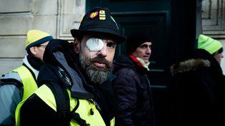 """Jérôme Rodrigues, le 8 février 2019, lors du 14e samedi de mobilisation des """"gilets jaunes"""", à Paris. (EDOUARD RICHARD / HANS LUCAS)"""