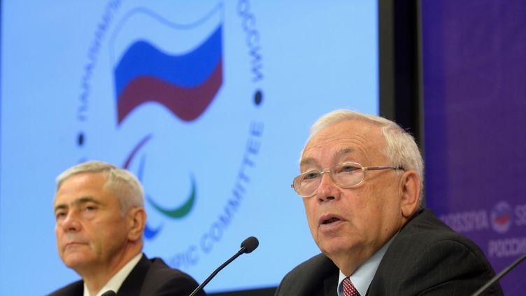 Vladimir Lukin et Pavel Rozhkov, respectivement président et premier vice-président du Comité paralympique russe (VLADIMIR TREFILOV / SPUTNIK)