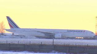 Des passagers d'un vol d'Air France qui devaient se rendre à Shanghai (Chine) sont bloqués depuis plus de deux jours en Sibérie (Russie). (FRANCE 3)