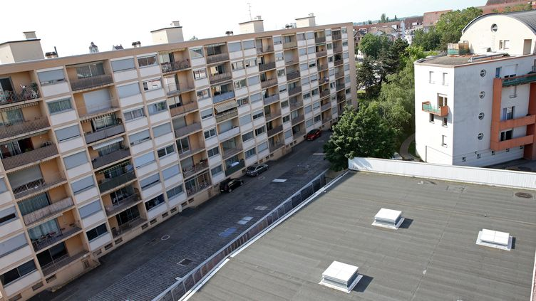 La victime a été défenestrée du 8e étage de cet immeuble de Colmar, le3 juin 2021. (VANESSA MEYER / MAXPPP)