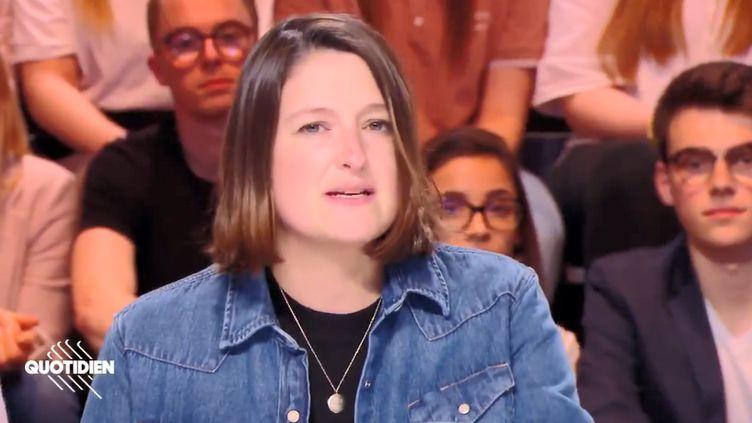"""La journaliste de """"Quotidien"""" Valentine Oberti affirme avoir été convoquée le 15 février 2019 dans les locaux de la DGSI à Levallois-Perret (Hauts-de-Seine) pour """"compromission du secret de la défense nationale"""". (QUOTIDIEN)"""