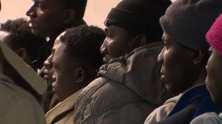 Des migrants guinées dans un centre d'acccueil à Bayonne (Pyrénées-Atlantiques). (FRANCE 2)